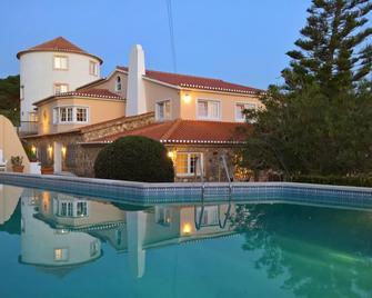 Quinta do Cabo Guesthouse - Colares - Pool