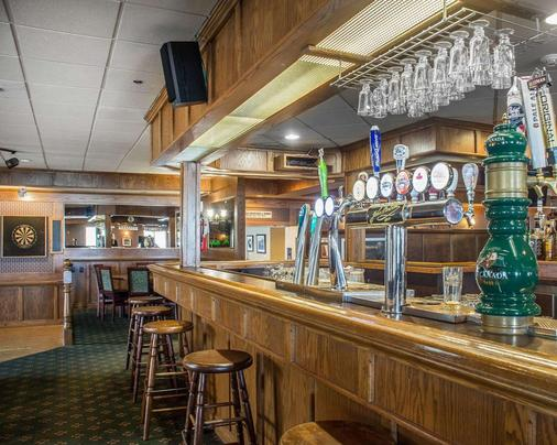 Quality Hotel & Suites - Woodstock - Bar