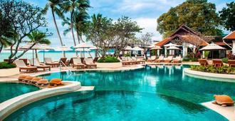 Chaweng Regent Beach Resort - קו סאמוי - בריכה