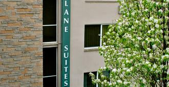 Park Lane Suites & Inn - Portland - Building