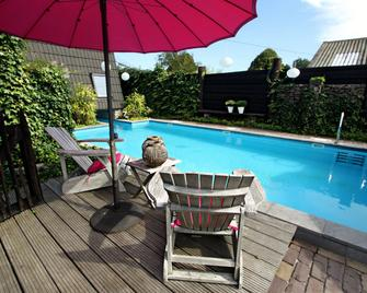 Hotel Buxus - Gasselte - Zwembad