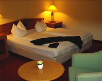 Sunotel Kreuzeck - Goslar - Bedroom