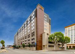 La Quinta Inn & Suites LAX - Los Ángeles - Edificio