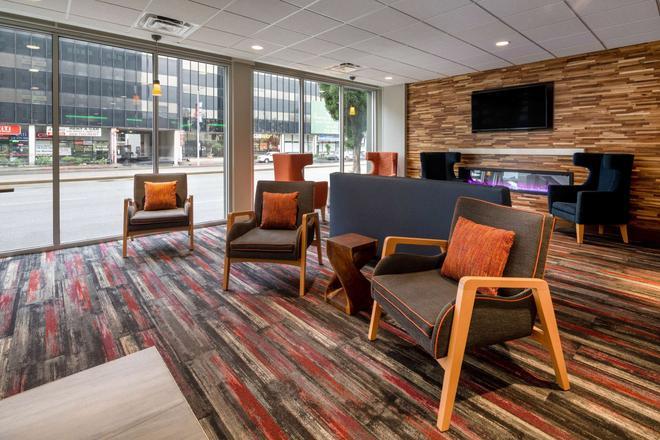 La Quinta Inn & Suites LAX - Los Angeles - Lobby