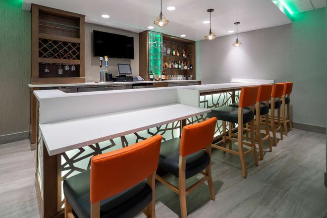 La Quinta Inn & Suites LAX - Los Angeles - Bar