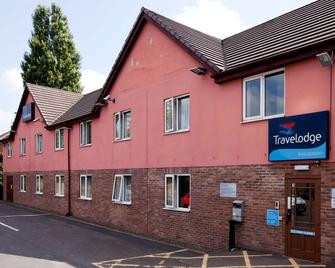 Travelodge Bromsgrove Marlbrook - Bromsgrove - Building