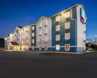 Woodspring Suites Louisville South - Fairdale - Building