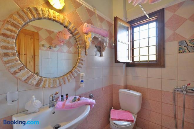 Archontiko Art Hotel - Galaxidi - Bathroom