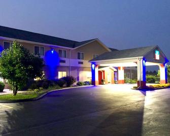 SureStay Plus Hotel by Best Western Bettendorf - Bettendorf - Building