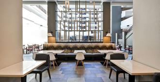 Embassy Suites by Hilton Charlotte - שרלוט - טרקלין