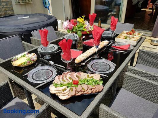 Maison le trèfle - Chef-Boutonne - Buffet