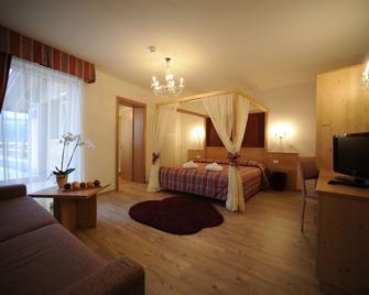 Hotel Casez Wellness&Family - Faedo - Slaapkamer