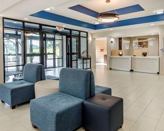 Comfort Inn and Suites Troutville -Roanoke North -Daleville - Troutville - Лоббі