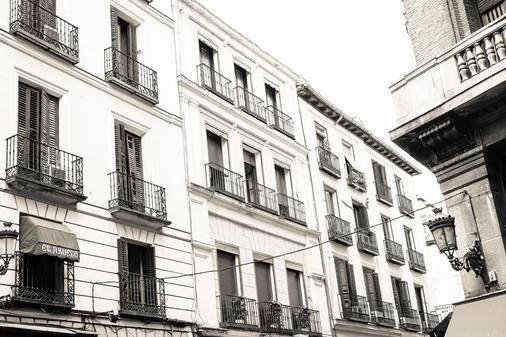 Hostal Olmedo - Madrid - Building