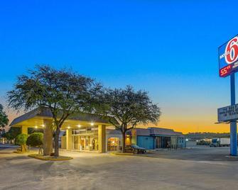 Motel 6 Sonora, TX - Sonora - Budova