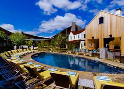 Lone Star Court, by Valencia Hotel Group - Austin - Pool
