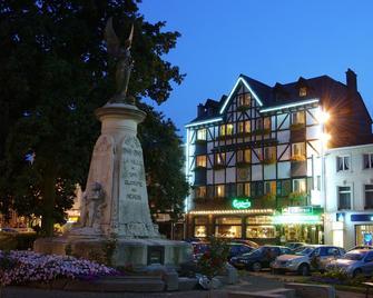 Hotel Restaurant L'auberge - Spa - Gebäude