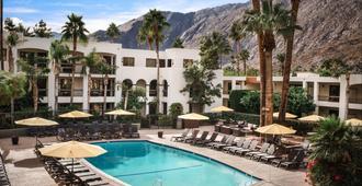 Palm Mountain Resort & Spa - פאלם ספירנגס - בריכה