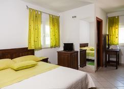 Rooms Vesna - Kastela - Bedroom