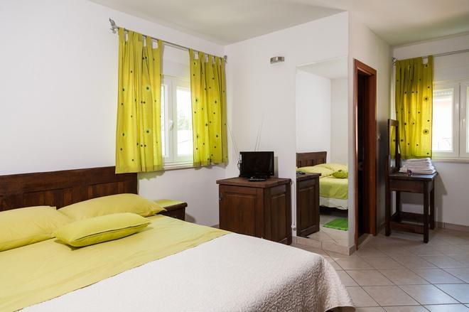 Rooms Vesna - Kastela - Habitación