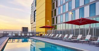 Springhill Suites San Diego Downtown/Bayfront - San Diego - Pool