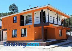 Villas La Quinta B & B - Creel - Edificio