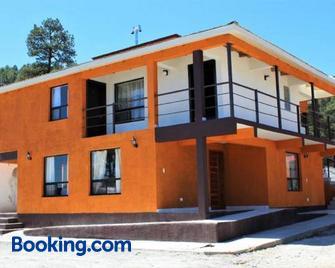 Villas La Quinta B & B - Creel - Building