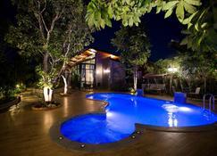 Foresto Sukhothai Guesthome - Sukhothai - Pool