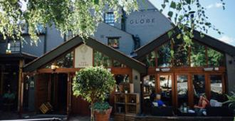 The Globe - Warwick - Building