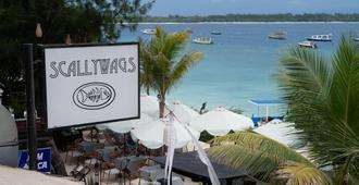 Scallywags Resort - Sira Selatan - Vista del exterior