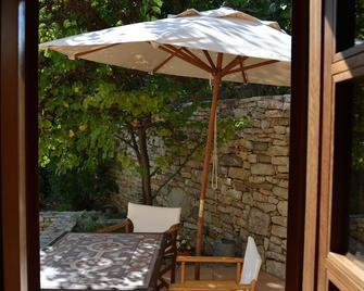 Traditional stone house in mountain village, privacy, beautiful views, aesthetic - Árgos