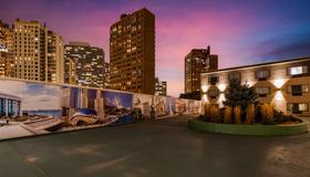 Best Western Plus Hyde Park Chicago Hotel - Chicago - Außenansicht