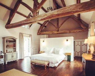 Les Hautes Sources - Ménilles - Bedroom