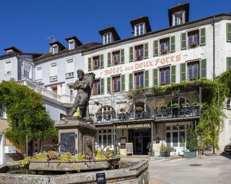 Hôtel Des Deux Forts - Salins-les-Bains - Building