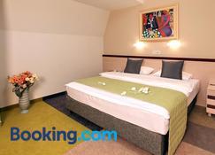 Hotel Zlatibor Mona - Zlatibor - Bedroom