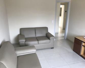 Amplo Apartamento - Duque de Caxias - Huiskamer