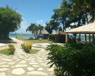 Itaparica Praia Hotel - Itaparica - Outdoors view