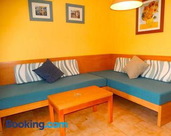 Alta Galdana Playa - Ferreries - Living room