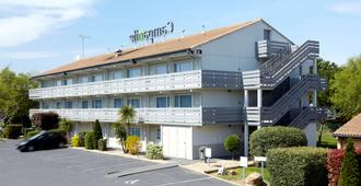 Hotel Campanile Nantes Ouest - Saint Herblain - Saint-Herblain - Edificio