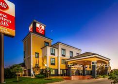Best Western Plus Barsana Hotel & Suites - Kota Oklahoma - Bangunan