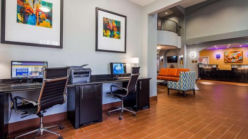 Best Western Plus Barsana Hotel & Suites - Oklahoma City - Liikekeskus