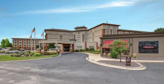 DoubleTree by Hilton Bloomington - Bloomington
