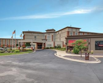 DoubleTree by Hilton Bloomington - Bloomington - Gebouw