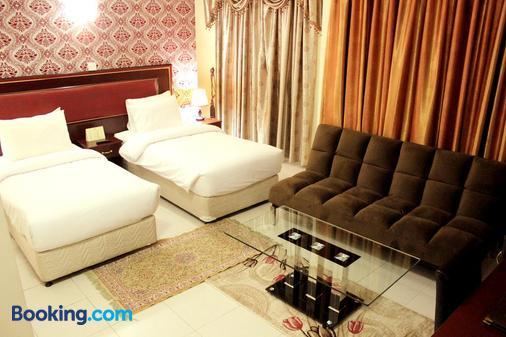 Montreal Naif Hotel - Dubai - Bedroom
