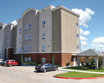 Candlewood Suites Bay City - Bay City - Building