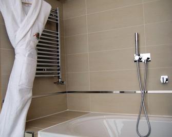 Hotel Spa Pasino - Le Havre - Bathroom