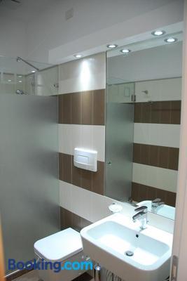 Hotel Vila Kerciku & Spa - Tirana - Bathroom