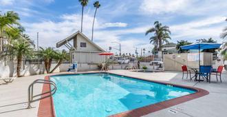 Motel 6 Oceanside Marina - Oceanside - Pool