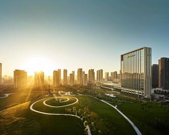Shangri-La Hotel Tangshan - Tangshan - Outdoors view