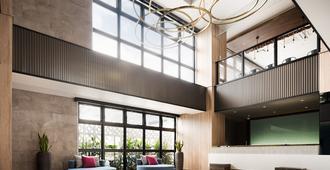 那霸提薩格鳥巢飯店 - 那霸 - 大廳